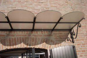 Copertura in ferro battuto e vetro